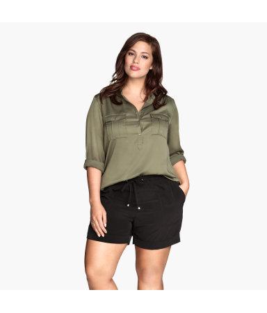 H&M+ Короткие шорты  (Хаки)