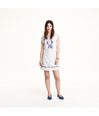 Платье с вышивкой (Белый)
