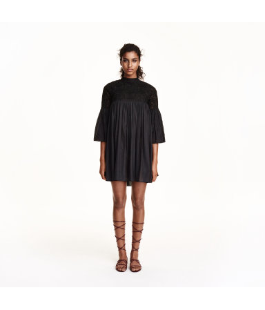 Платье с вышивкой (Черный)