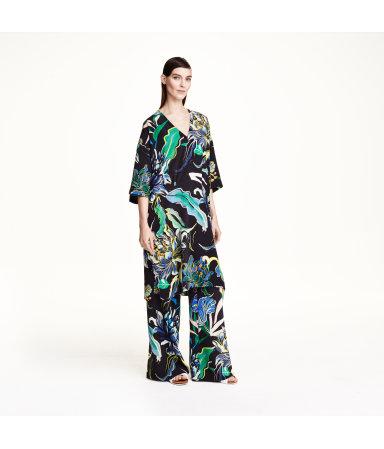 Шелковое платье с рисунком (Черный)
