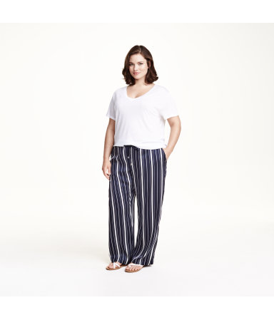 H&M+ Широкие брюки (Темно-синий/Полоска)