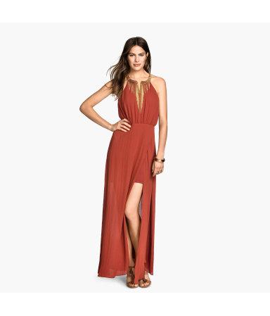 Платье с украшением на шее (Красная охра)