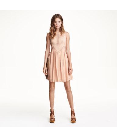 Платье с вышивкой (Бежевая пудра)