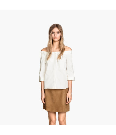 Блузка с спущенными плечами (Белый)